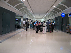 airport.line.jpg