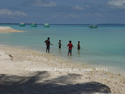 smboys-fishing-in-laamu.jpg